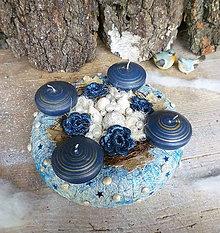 Dekorácie - adventný veniec modrý s mušľami - 7372259_
