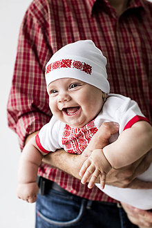Detské čiapky - Detská čiapka s folklórnym motívom \