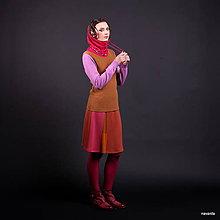 Sukne - DONA- jemně vzorovaná sukně nad kolena s vsadkou - 7374395_