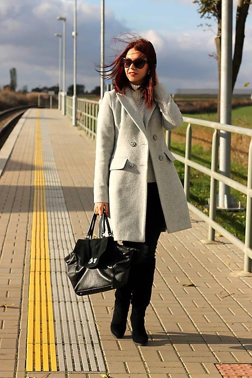 Vlnený kabát - šedý