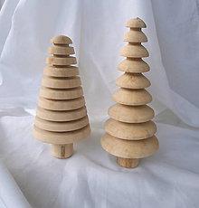 Dekorácie - vianočný drevený stromček... - 7379464_