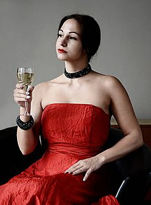 Náramky - Caprichos náramok (Woman in red) - 7379132_