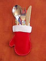 Úžitkový textil - Vianočná filcová rukavica - obal na príbor - 7378639_