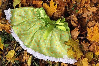 Detské oblečenie - Zelená bodkovaná suknička - 7387058_