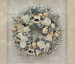 Dekorácie - Vianočný veniec na dvere - 7389348_