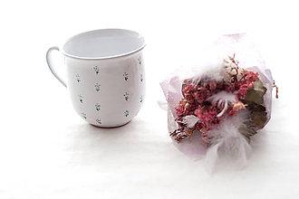Nádoby - Šálka s kvetmi - 7388992_