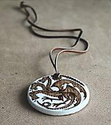 Šperky - Drevený prívesok - Targaryen - 7395286_