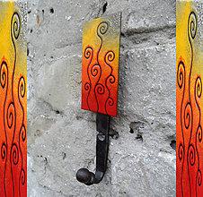 Nábytok - Vešiak vo farbe jesene - 7402482_