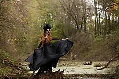 Šaty - Spoločenské šaty s tylovým elastickým vrškom a kruhovou saténovou sukňou rôzne farby - 7404895_
