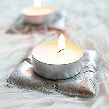 Svietidlá a sviečky - Betónová poduška pod sviečku - zlatostrieborná - 7409096_
