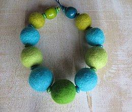 Náhrdelníky - Zelený tyrkys - plstený náhrdelník - 7411551_