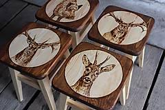 Nábytok - drevený stolček - 7412067_