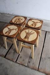 Nábytok - drevený stolček - 7412073_
