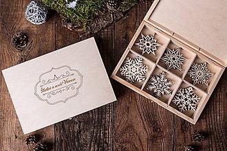 Dekorácie - Vianočné vločky z dreva - Kolekcia SNOWFLAKE - 7413007_