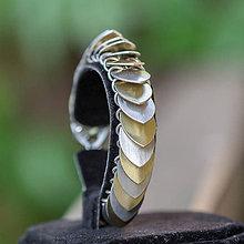 Náramky - Pichlavá zebra zlatá - náramok - 7418264_