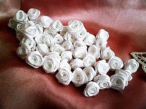 Drobnosti - Saténové ružičky priemer 1,5cm - 7416622_