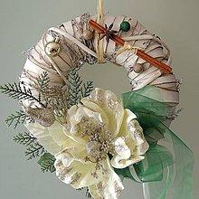 Dekorácie - Vianočný venček biela ruža - 7416739_