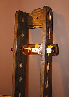 Dekorácie - Drevený stojan na víno na 10 fliaš - 7422667_