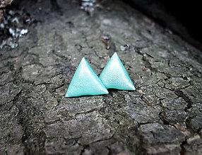 Náušnice - Trojuholníčky 10 mm (mentolové) - 7421915_