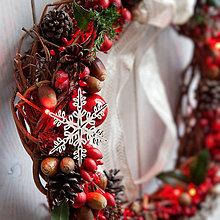 Dekorácie - Vianočný veniec na dvere so svetielkami - 7422521_