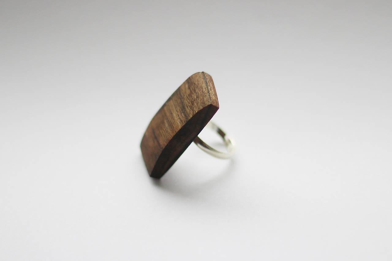 Orechový prsteň