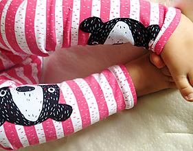Detské oblečenie - legíny z biobavlny Medvede na prúžku (koralové) - 7425029_