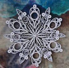 Dekorácie - Vianočná hviezda/biela snehová vločka - 7424192_