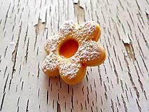 linecký kvietok s marhuľ.džemom-brošňa (menšia)