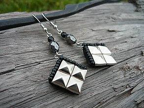 Náušnice - Náušnice ROCK pyramid NIKL mini - 7432609_