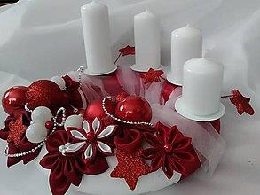 Dekorácie - Červený adventný veniec elegant - 7431253_