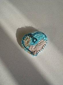 Odznaky/Brošne - Brošňa Freeform crochet - srdce z morskej peny - 7430349_