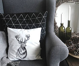 Úžitkový textil - Vankúš s ručnou perokresbou - jeleň - 7431989_