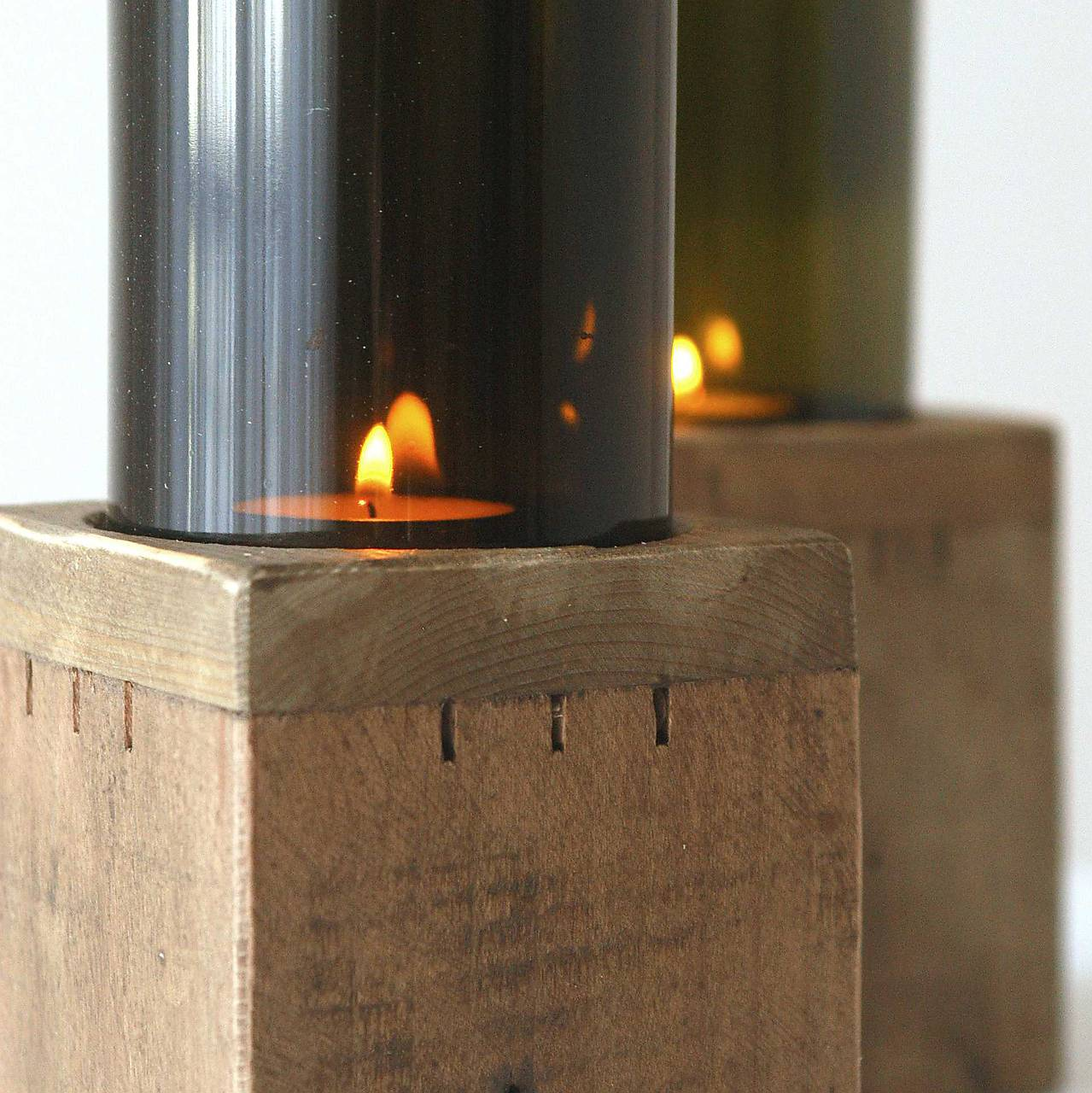 Drevený svietnik so skleneným tienidlom 1