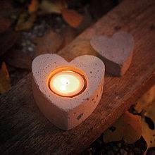 Svietidlá a sviečky - Svietnik na čajovú sviečku v tvare srdca - 7432257_