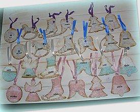 Dekorácie - Drevené ozdôbky s menami :) - 7432919_