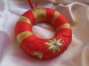 Dekorácie - Vianočný venček - červenozlatý - 7434834_
