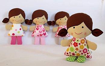 Hračky - bábika do malej rúčky stvorená... - 7434855_