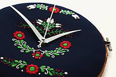 Hodiny - Tatranci, ručne vyšívané nástenné hodiny - 7438368_