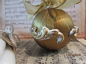Dekorácie - Vianočná guľa s odliatkami - 7445517_