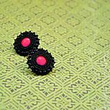 Náušnice - Black&Neon n.4 - Vyšívané náušnice - 7444397_