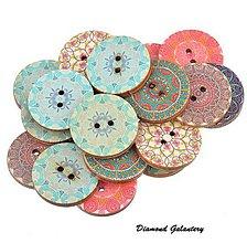 Galantéria - Drevený gombík 25 mm - náhodný mix 5 kusov - 7447092_
