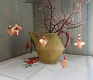 Dekorácie - Vianočné ozdoby s korálkami. - 7452208_