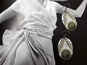 Náušnice - Bielozlaté s ornamentom - 7457555_