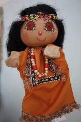 Maňuška. Bábika Indiánka Pocahontas.