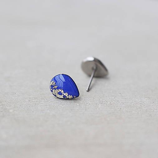 Modré náušnice v tvare kvapky – chirurgická oceľ (9 mm)