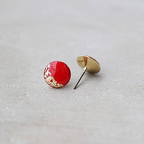 Pozlátené náušnice s červeným očkom (12 mm)
