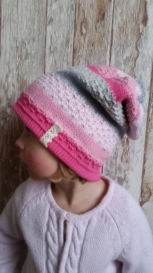 Detské čiapky - Pletená beanie čiapka dievčenská - 7467954_