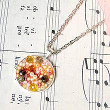 Náhrdelníky - Little Princess Round Necklace / Dievčenský náhrdelník s pastelovými korálkami - 7472417_