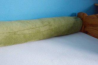 Úžitkový textil - Zelený plyšový medzinožník / zástena do postele - 7468811_
