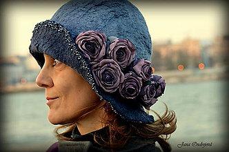 Čiapky - Hodvábno-vlnený klobúk v púdrovej modro-sivej - 7472480_